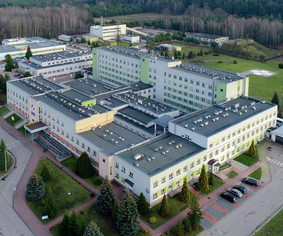 """Budynek w Hajnówce zbudowany przez """"poprzednika"""" Unibep SA: szpital."""